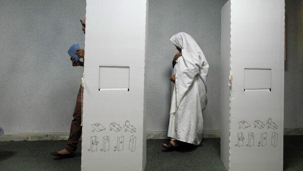 Избирательный участок в Ливии