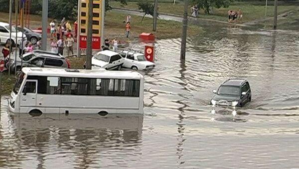 Мощный ливень затопил улицы Одессы. Кадры с места ЧП