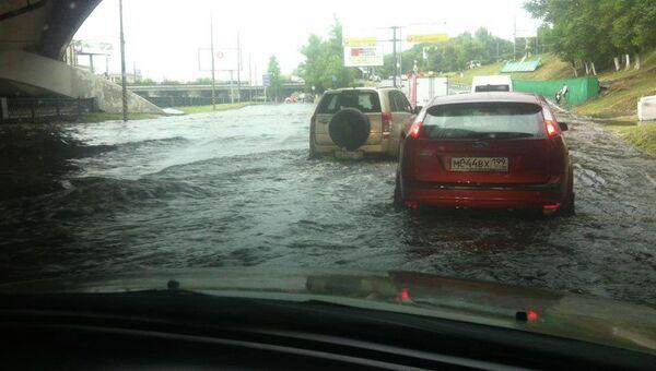 Дождь и потоп в районе метро Электрозаводская в Москве