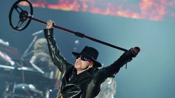 Концерт рок-группы Guns N'Roses в Москве