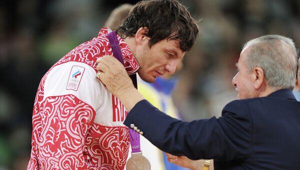 Российский борец греко-римского стиля Рустам Тотров, завоевавший серебряную медаль