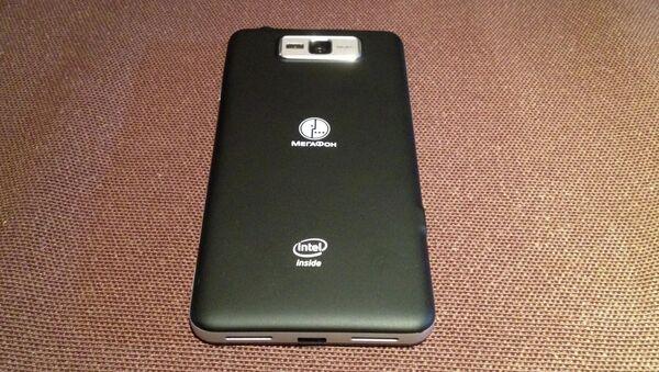 Первый смартфон на процессоре Intel на российском рынке
