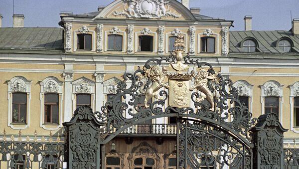 Ворота дворца Шереметева на Фонтанке