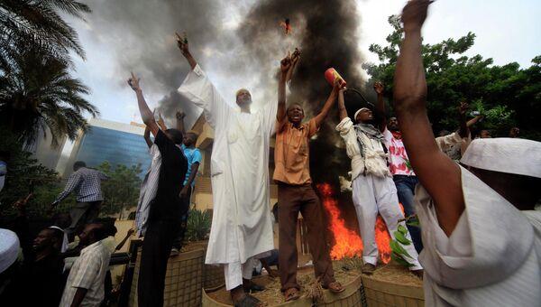 Акция протеста против фильма Невиновность мусульман в Хартуме