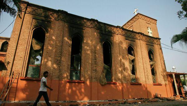 Демонстранты сожгли англиканскую церковь в Пакистане