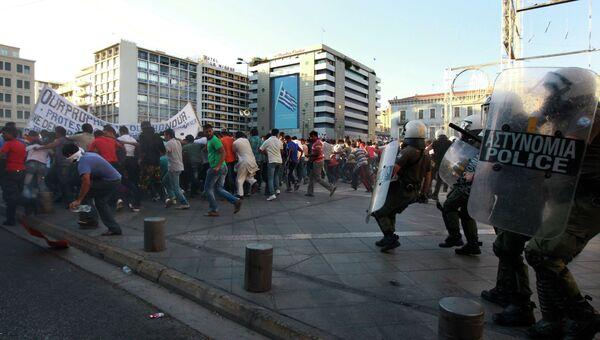 Столкновения демонстрантов с полицией в Афинах