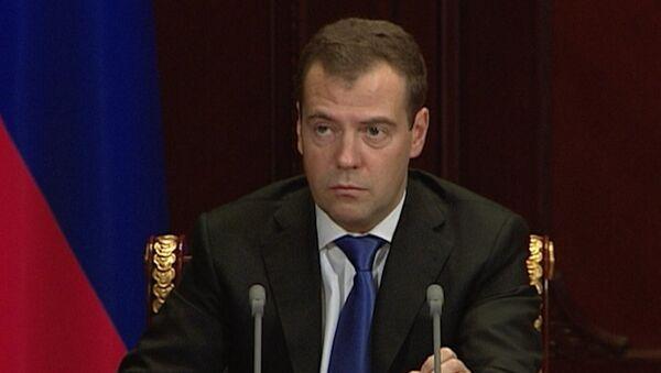 Медведев призвал ужесточить ответственность для пьяных водителей