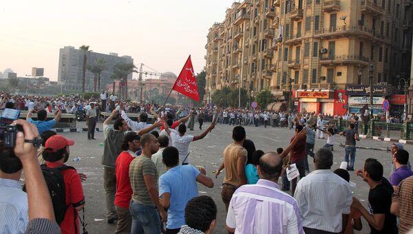 Столкновения сторонников и противников главы Египта в центре Каира