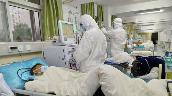 Лечение пациентов в центральной больнице города Ухань