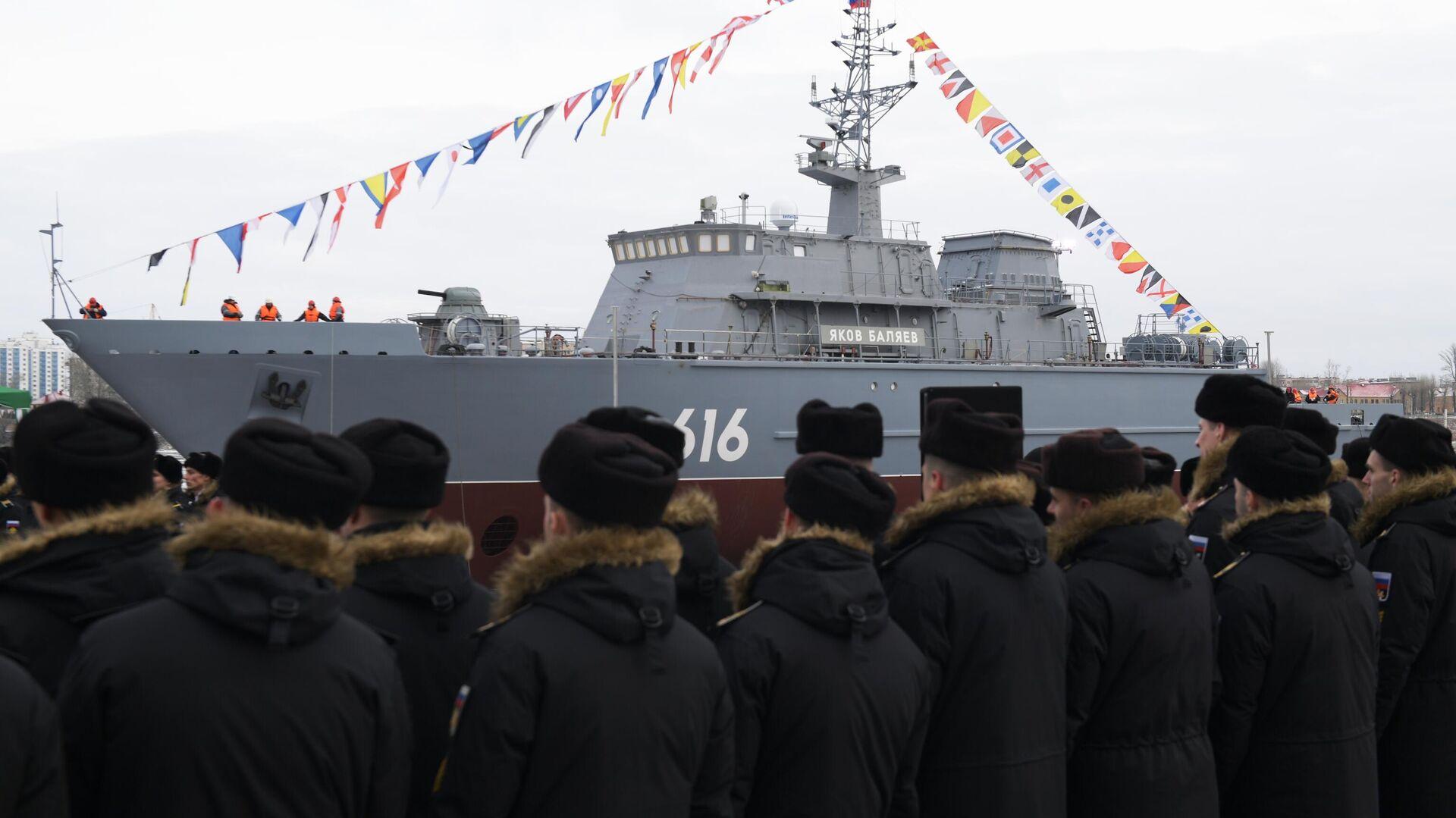 Церемония спуска на воду новейшего корабля противоминной обороны нового поколения проекта 12700 Яков Баляев - РИА Новости, 1920, 26.12.2020