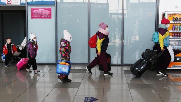 В Китае выявили десять детей, зараженных новым коронавирусом