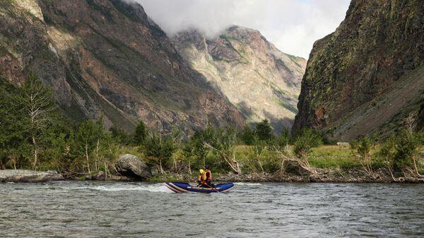Рафтинг по горной реке, Алтай