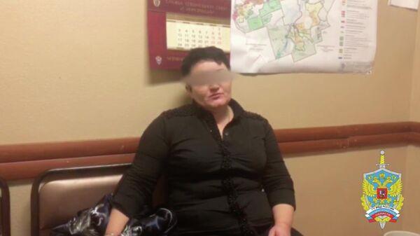 Подмосковные полицейские в п. Барвиха задержали подозреваемую в сбыте более 2 килограммов героина
