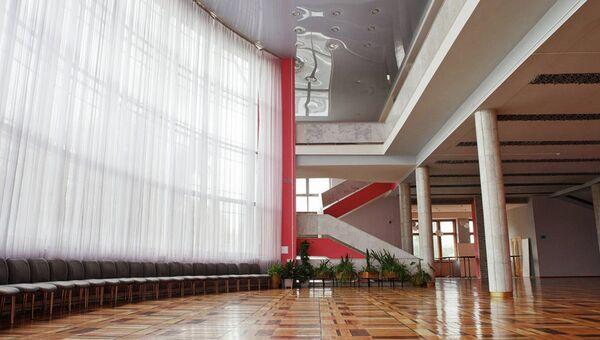 Интерьер холла Культурного центра ЗИЛ