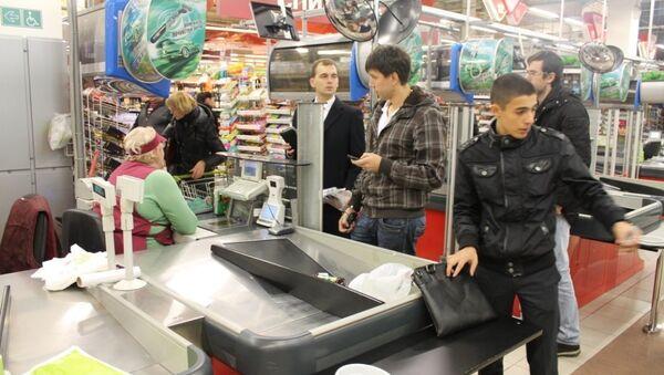 Активисты проверили, продают ли московские магазины алкоголь подросткам