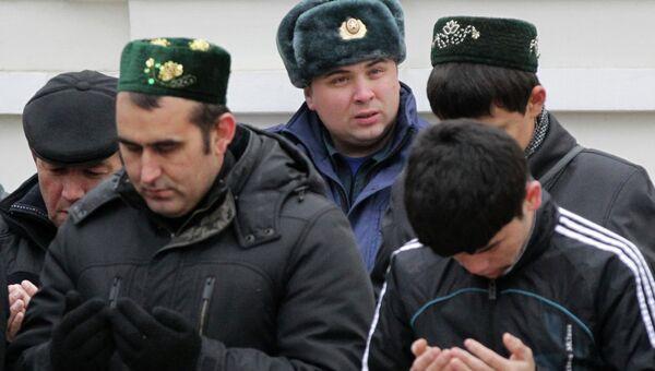Праздничный намаз у мечети Марджани в Казани