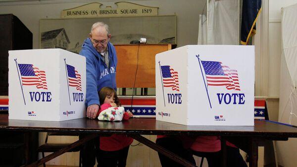 Голосование на избирательном участке в городе Бристоль, Нью-Гэмпшир