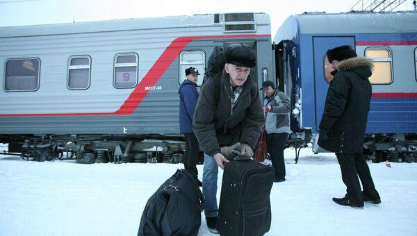 Прибытие освобожденного по УДО физика Валентина Данилова в Новосибирск