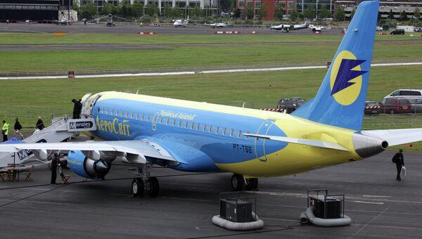 Самолеты украинской авиакомпании Аэросвит. Архив