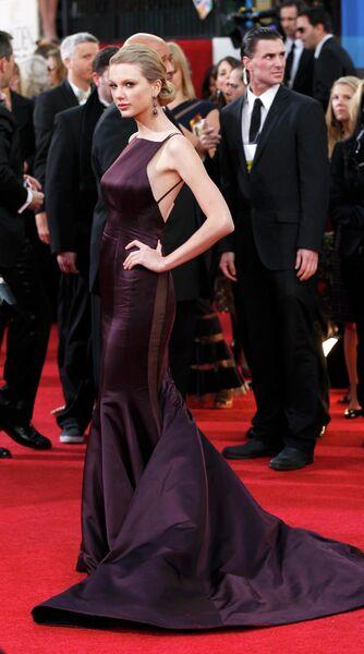 Певица Тейлор Свифт на церемонии вручения премии «Золотой глобус»
