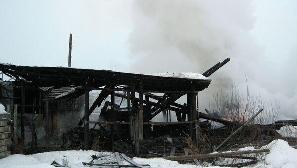 Пожар в поселке Садовый под Екатеринбургом