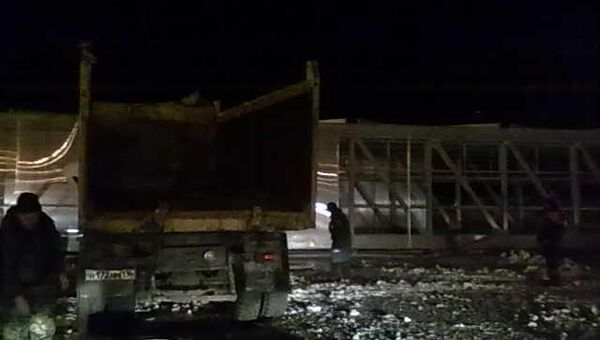 Навесной пешеходный переход через трассу М-7 обрушился в Чувашии