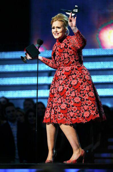 Адель получила Грэмми за лучшее соло года