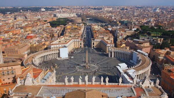 Вид на Рим с купола собора св. Петра в Ватикане. Архивное фото