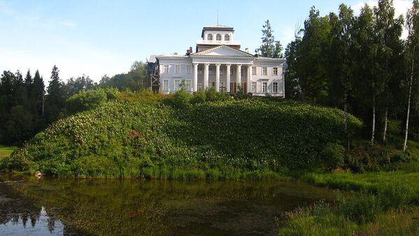 Музей-усадьба Набокова Рождествено. Архивное фото
