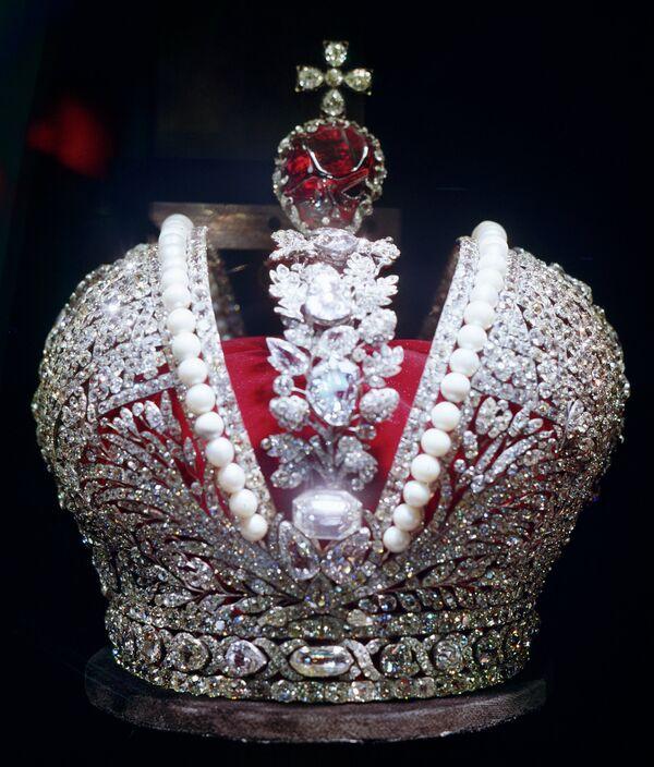 Большая императорская корона, изготовленная к коронации Екатерины II