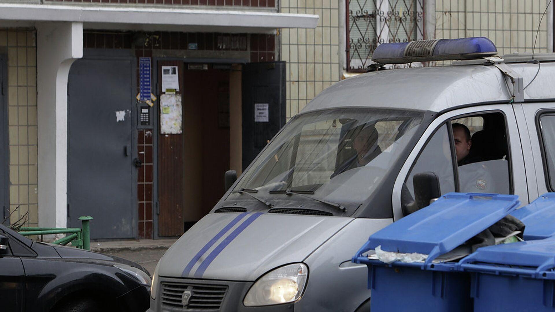 Полиция работает на месте взрыва гранаты в жилом доме в Петербурге - РИА Новости, 1920, 29.06.2020