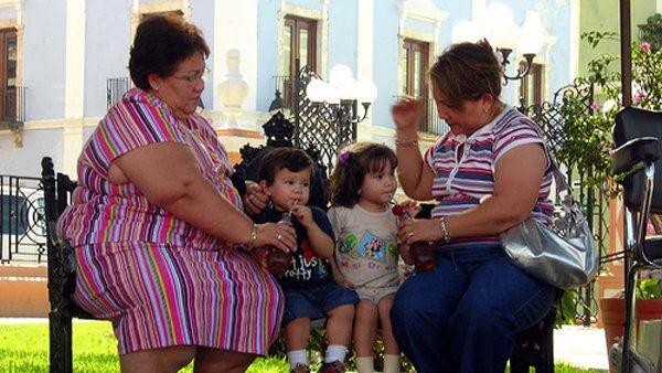 Мамы с детьми. Архивное фото