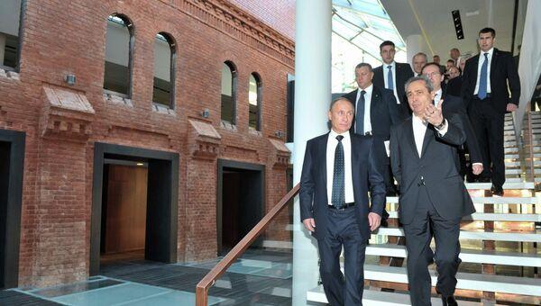 В.Путин посетил театрально-культурный комплекс Новая (Малая) сцена Александринского театра