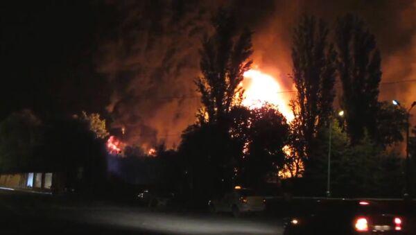 Очевидцы сняли пожар на месте схода с рельсов цистерн с нефтепродуктами