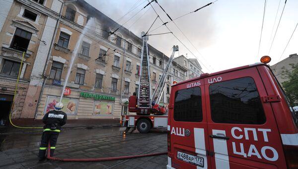 Пожар в выселенном доме на улице Нижняя Красносельская