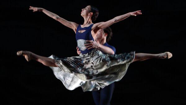 Генеральная репетиция одноактного балета хореографа Начо Дуато Invisible / Невидимое в Михайловском театре Санкт-Петербурга, архивное фото
