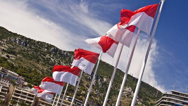 Флаг Монако, архивное фото
