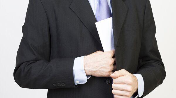 В Генпрокуратуре рассказали, кто чаще всего берет мелкие взятки