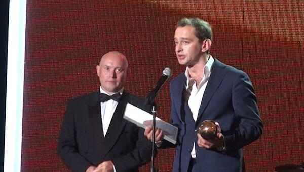 Триумф Велединского и Хабенского: победителей Кинотавра наградили в Сочи