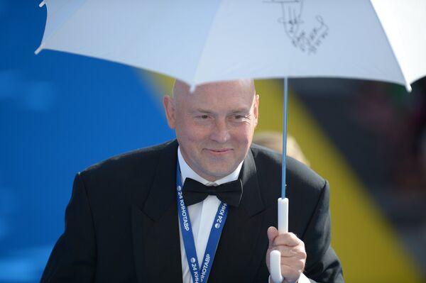 Актер Виктор Сухоруков на церемонии закрытия XXIV открытого Российского кинофестиваля Кинотавр в Сочи