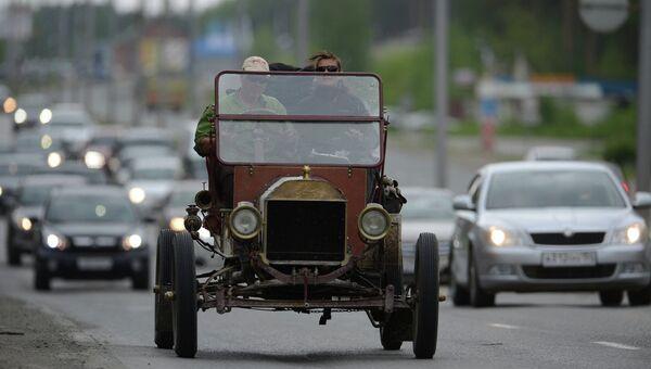 В Новосибирск прибыли раритетные авто ралли Пекин – Париж