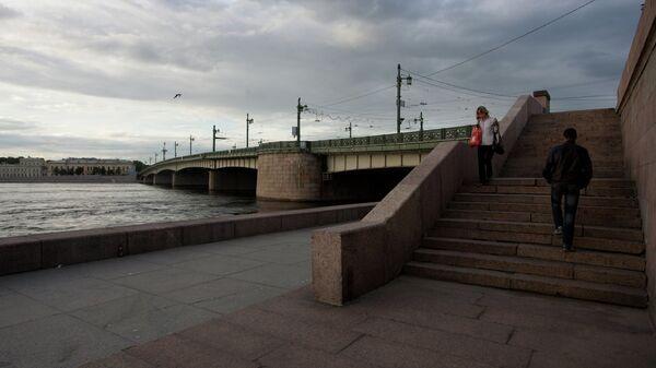 Литейный мост в Петербурге