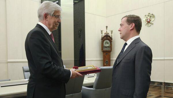 Встреча Д.Медведева с С.Игнатьевым в Доме правительства РФ