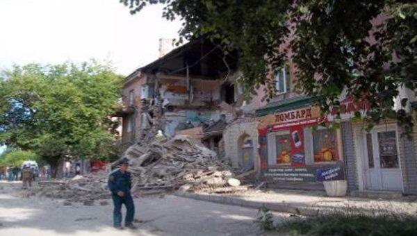 Обрушении стены кирпичного дома в Барнауле