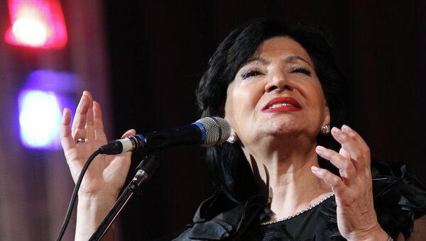 Концерт грузинской певицы Нани Брегвадзе, архивное фото