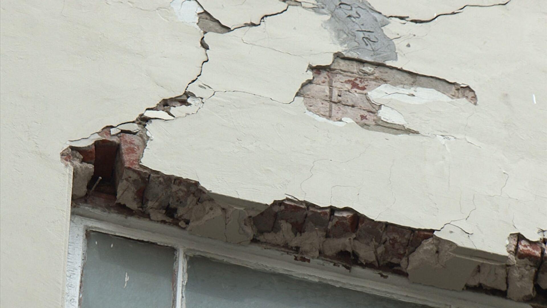 В Кисловодске рухнула стена в ремонтируемом санатории, погиб один человек