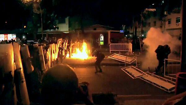 Противники визита Папы в Бразилию кидали в полицейских коктейли Молотова