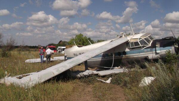 Ан-2 совершил жесткую посадку в Ростовской области
