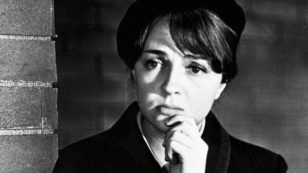 Актриса Екатерина Градова в роли радистки Кэт