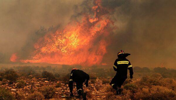 Лесной пожар вблизи Афин